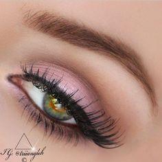 Soft Pink Eye Makeup