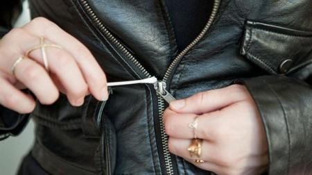 astuces-mode-que-toutes-les-femmes-devraient-connaitre-cuir-fermeture-eclair