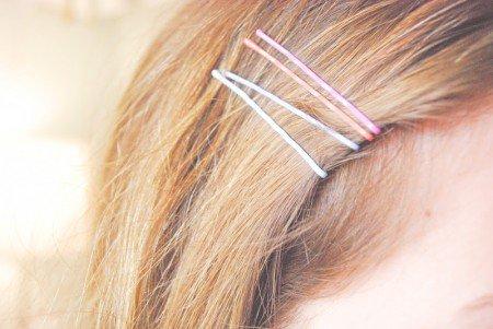 comment-lisser-ses-cheveux-sans-chaleur-materiel
