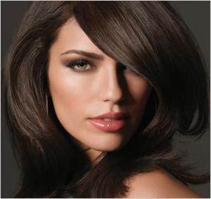 3 astuces pour mettre ses cheveux bruns en valeur astuces de filles. Black Bedroom Furniture Sets. Home Design Ideas